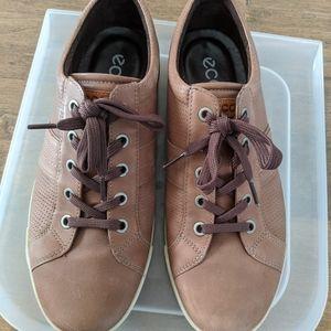 Men's Ecco Brown Leather Sneaker (size 43)